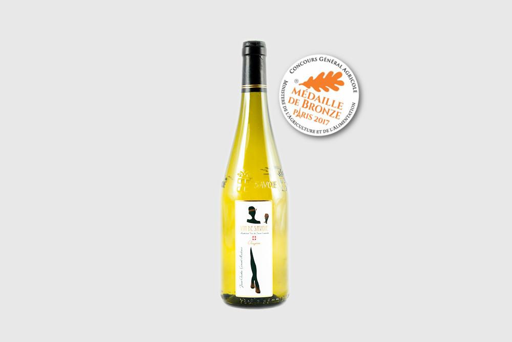 D'une robe jaune pâle et brillante, le chignin est un vin de Savoie aux arômes floraux et d'agrumes